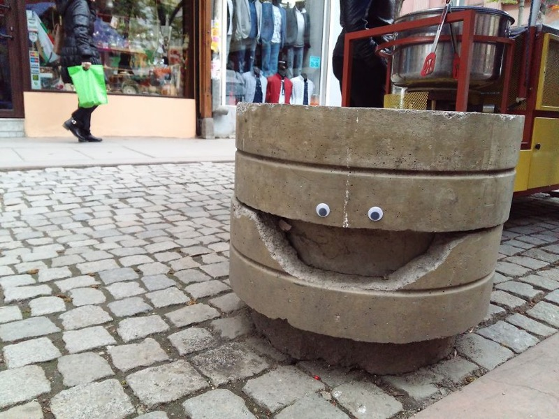 The Eyebombing in Bulgaria by Sticking Googly Eyes on Street Objects Will Certainly Makes You Smile