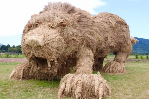 The Giant Rice Straw Animal Sculptures At Wara Art Festival Are Absolutely Awesome